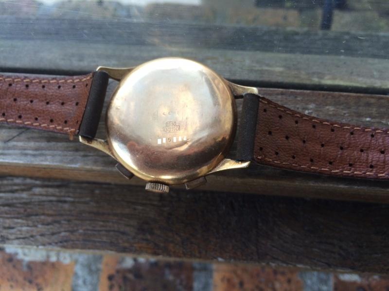 Connaissez vous cette marque et ce model de Chronograph ??? Img_0312