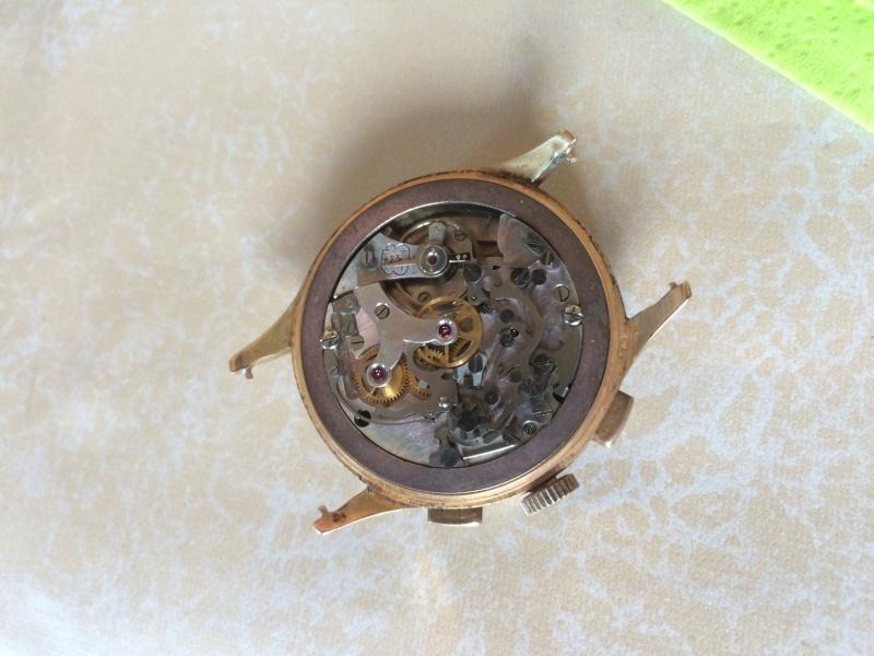 Connaissez vous cette marque et ce model de Chronograph ??? Img_0313