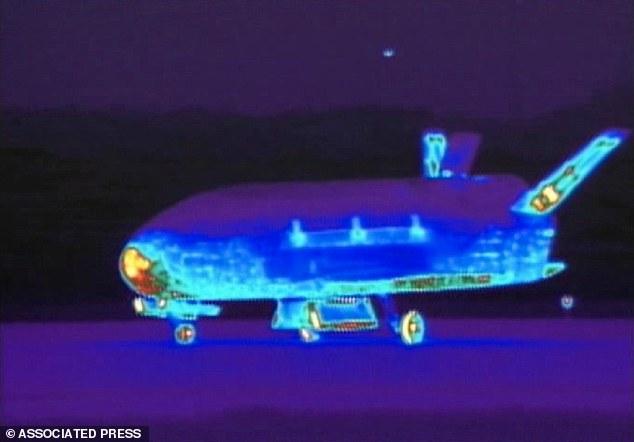 X-37B Military Spaceplane 14138212
