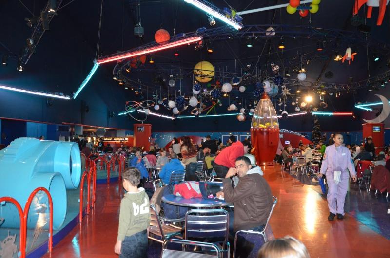 Buzz Lightyear's Pizza Planet Restaurant est désormais un buffet à volonté ! - Page 18 Dsc_0311