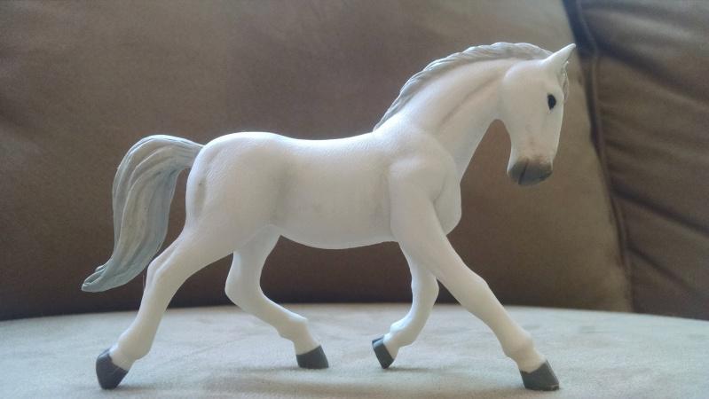 Terra by Battat horses Img_2025