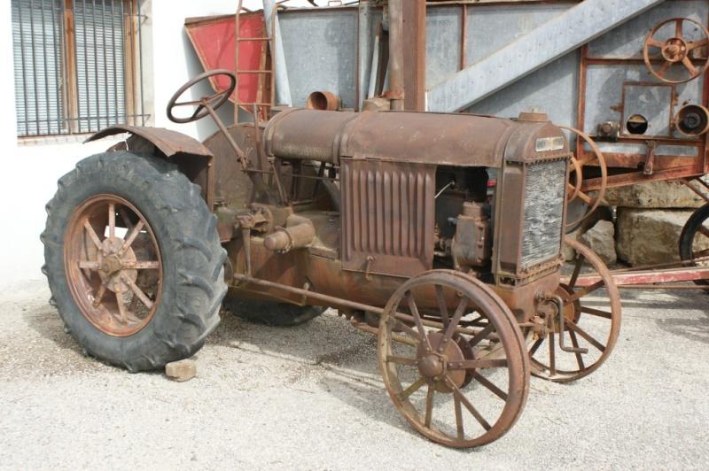 tracteurs de la mémoire agricole du pays de grignan Dsc02921