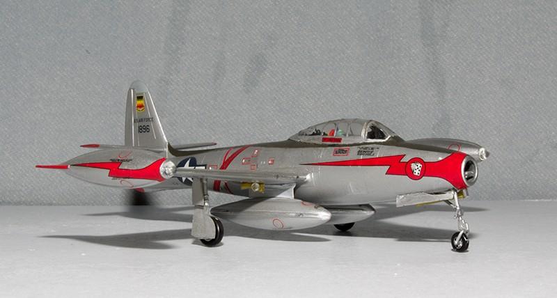F-84 Thunderjet Heller56