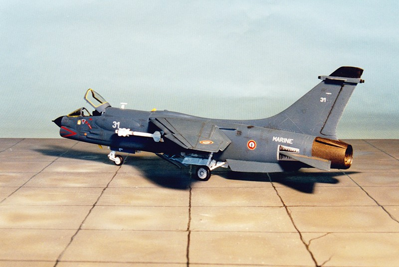 F-8E (FN) Crusader Heller68