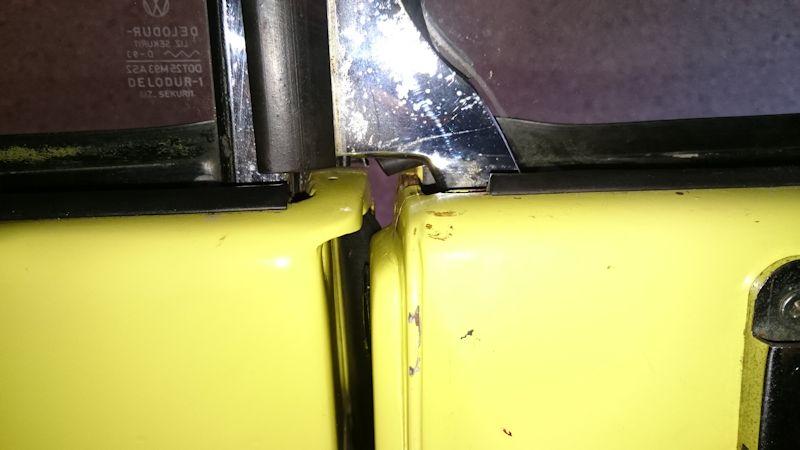 Joints, capote, manivelle et verrou du coffre Porte10