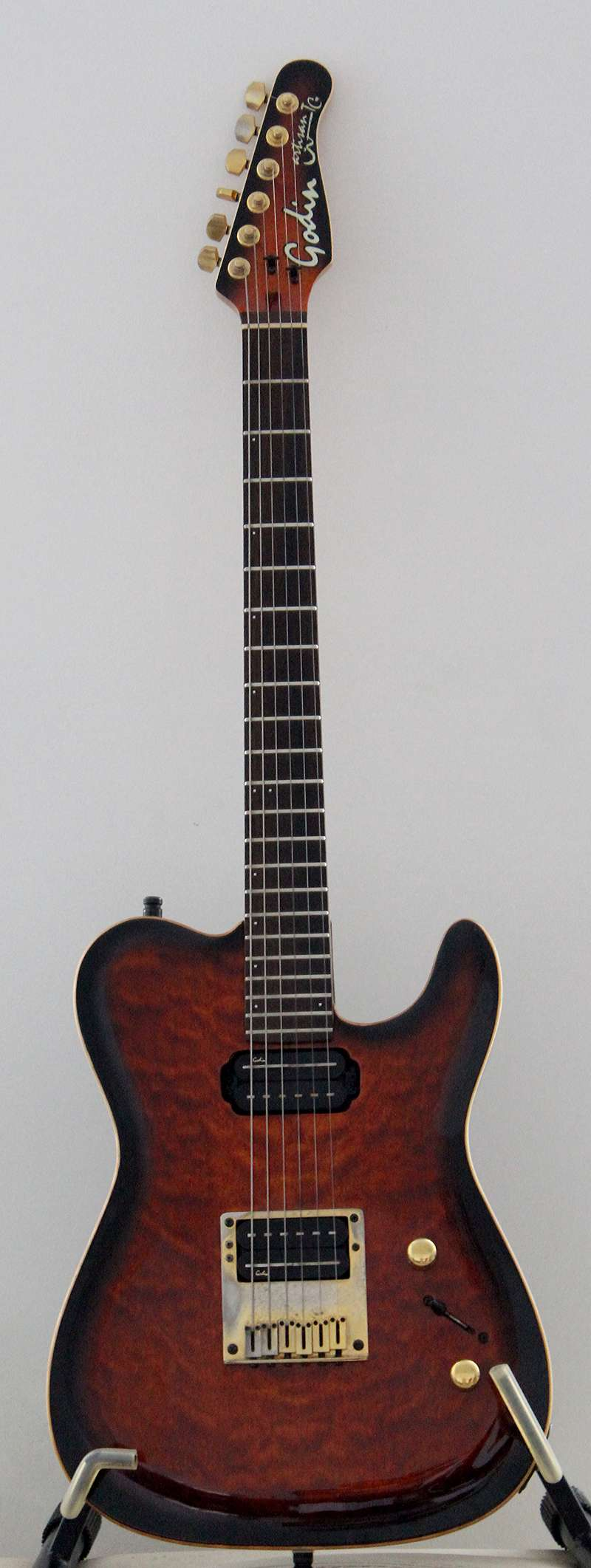 Photos de vos guitares. - Page 39 Signat12