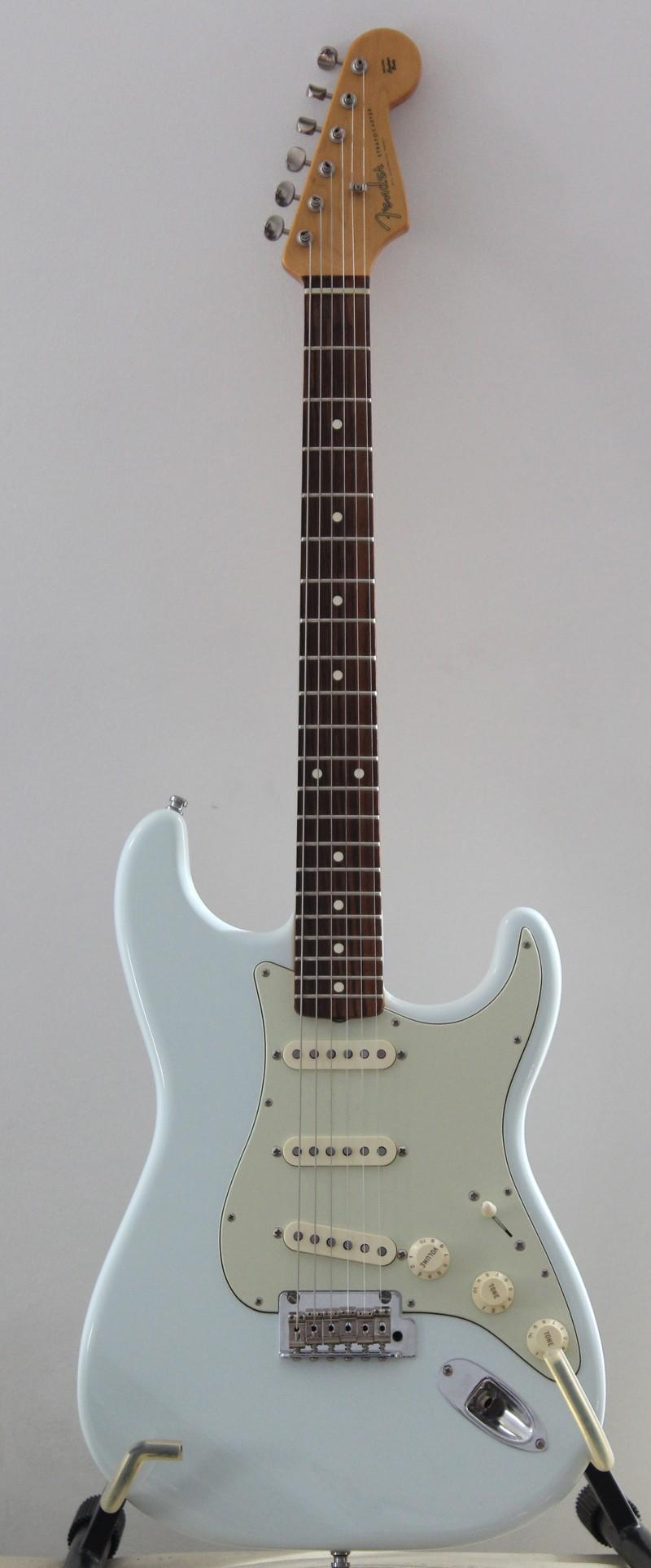 Photos de vos guitares. - Page 39 Strato10