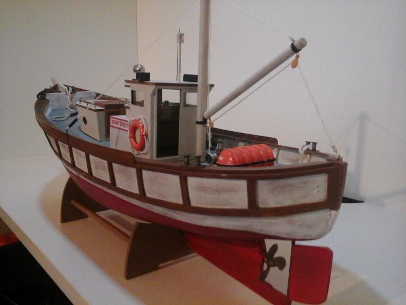 Le MONTEREY 522  Billing boat au 1/20  20150511