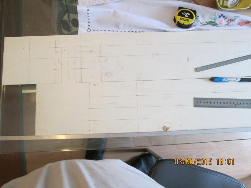 La construction du POULBOT au 1/25   Img_0816
