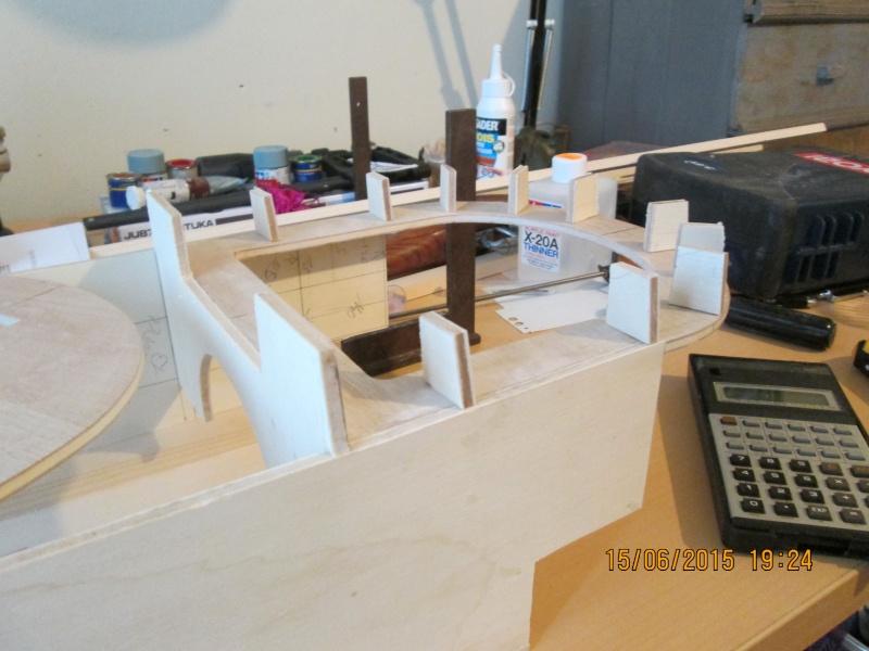 La construction du POULBOT au 1/25   - Page 2 Img_0833