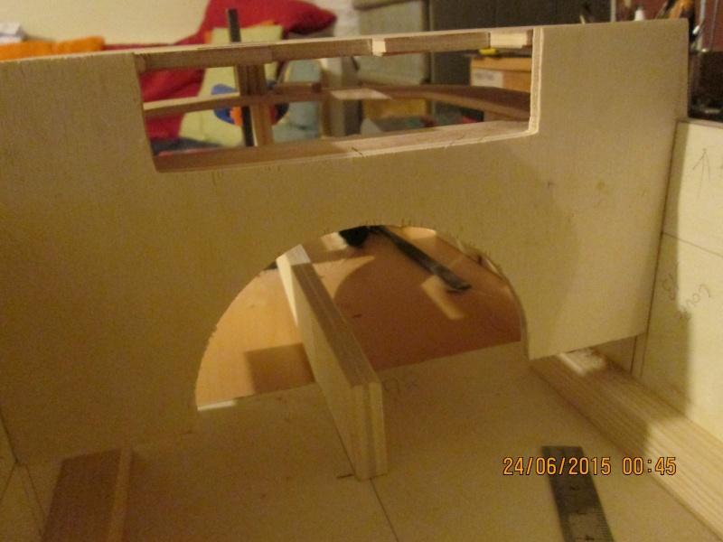 La construction du POULBOT au 1/25   - Page 3 Img_0836