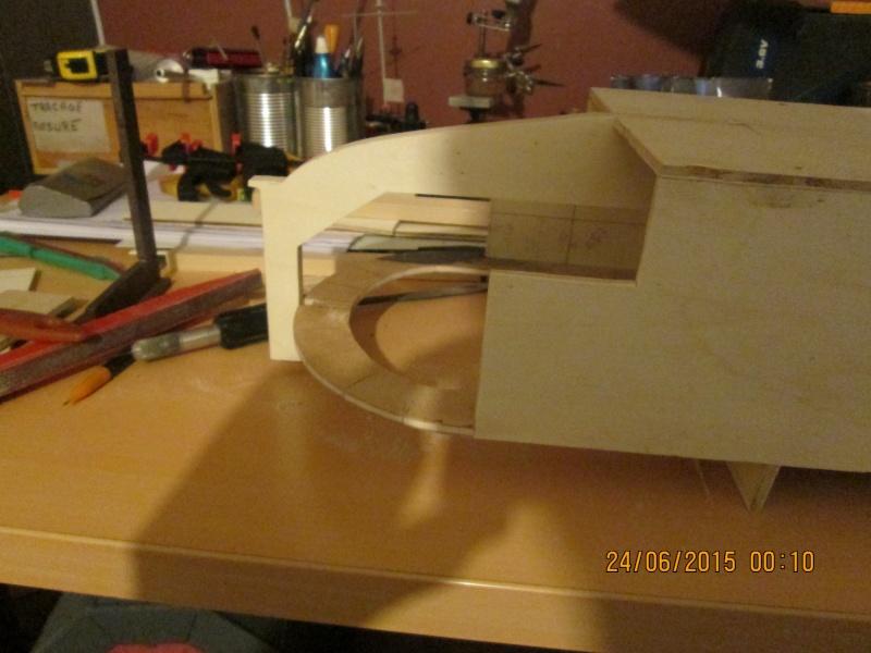 La construction du POULBOT au 1/25   - Page 3 Img_0839