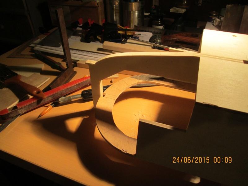La construction du POULBOT au 1/25   - Page 3 Img_0841