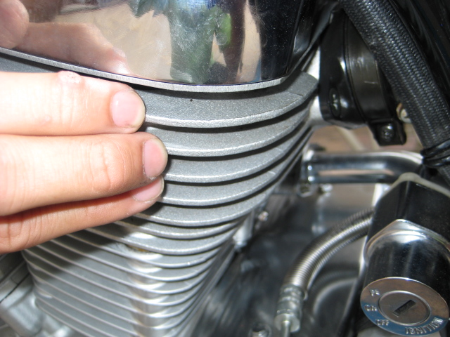 possible leakage at rear cylinder-carb joint Img_1216
