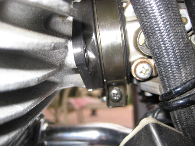 possible leakage at rear cylinder-carb joint Img_1221