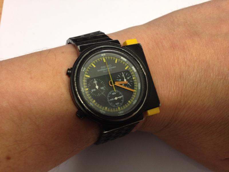 Je cherche à acheter deux de ces montres : Seiko 7A28-7000 Img_3513
