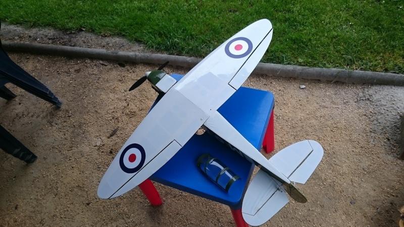 Spitfire 920 mm d'envergure Dsc_0913