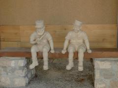 qui connait ces figurines ???, 2_lygi10