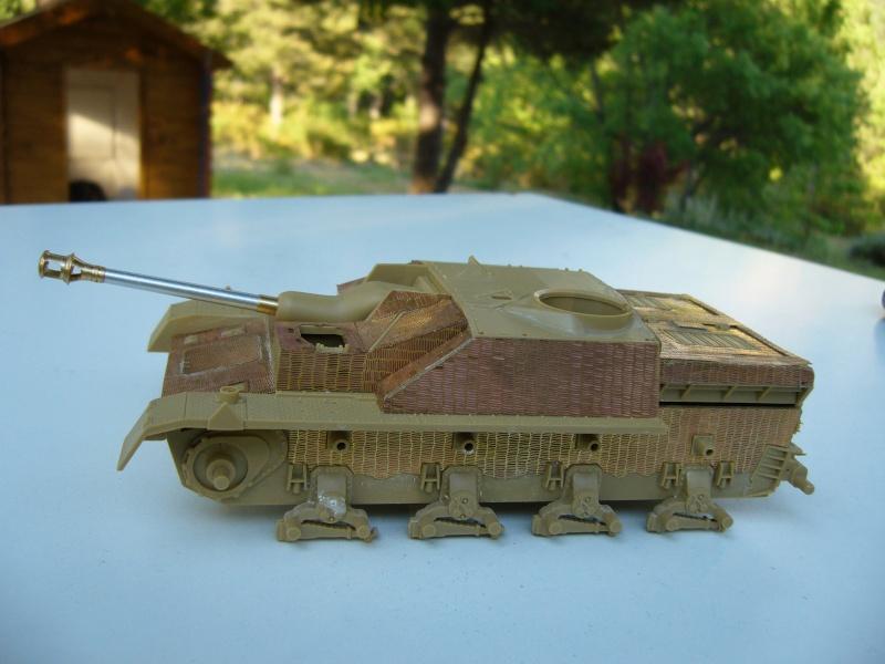 Sd.Kfz. 163 Sturmgeschütz IV Tamiya + chenilles Tamiya + Zimmerit Eduard +canon RB Model - 1/35 - Page 3 P1020415