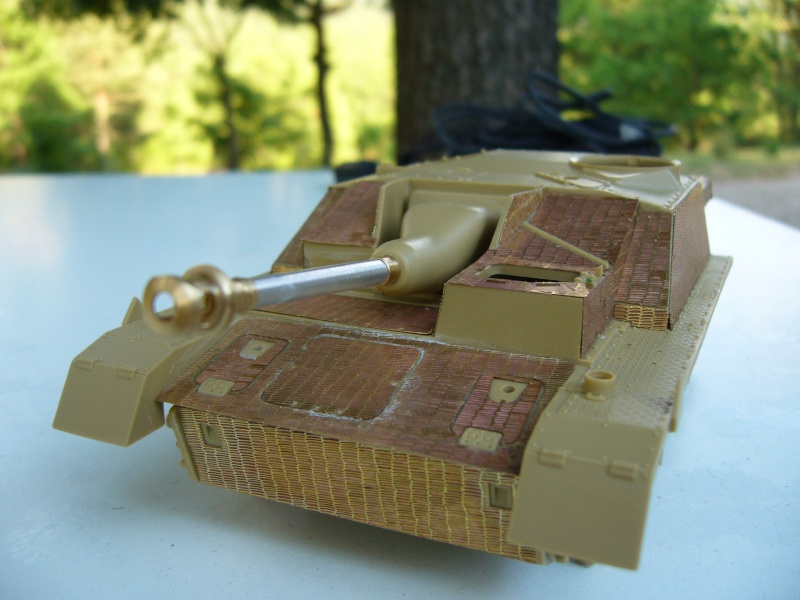 Sd.Kfz. 163 Sturmgeschütz IV Tamiya + chenilles Tamiya + Zimmerit Eduard +canon RB Model - 1/35 - Page 3 P1020416