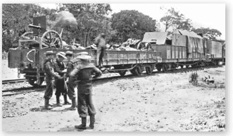 attaque d'un train blindé par l'armée mahdiste 97818410