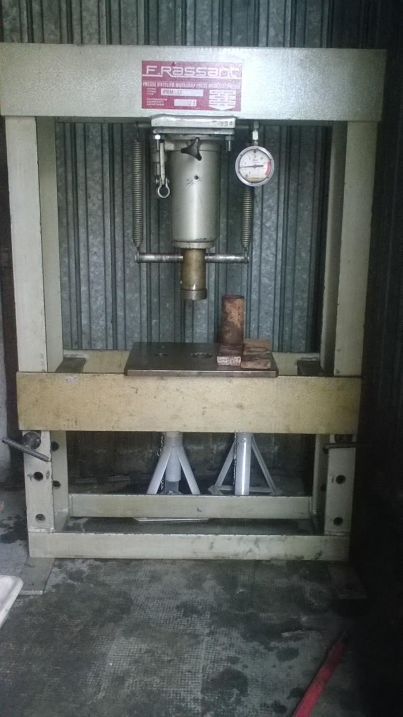 Problème presse hydraulique manuel Rassant - Page 2 Wp_20112