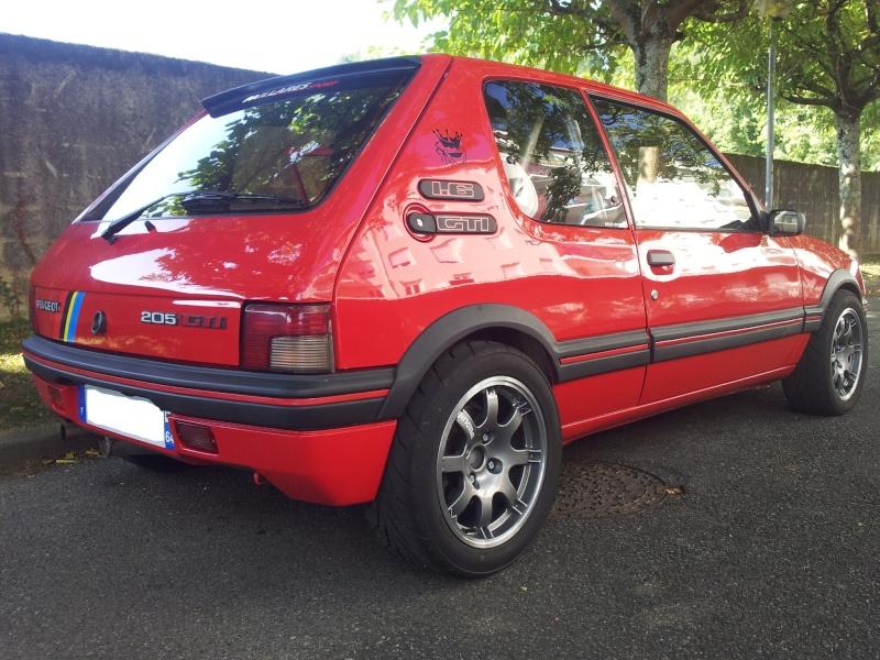 [vonzy64]  205 GTI 1L6 - 1600 - rouge - 1990 10633211