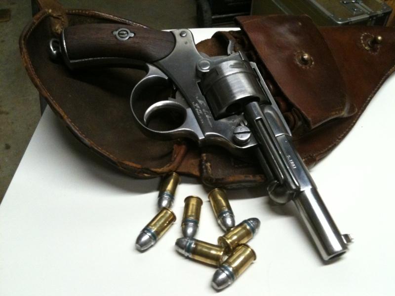 panorama des armes de poing réglementaires en categorie D  - Page 2 Img_2810