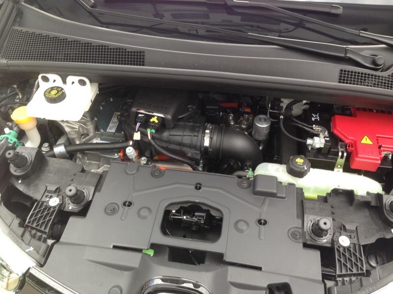 Nouveau moteur pour la Zoé? Img_0912