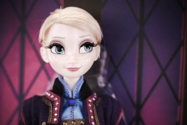 Disney Store Poupées Limited Edition 17'' (depuis 2009) - Page 6 Elsa2011