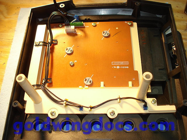 [TUTO] branchement mp3 sur motoradio 1500 gl - Page 2 110