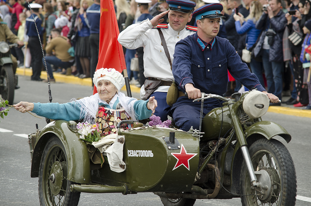 Anniversary Days/Victory Day parades in Sevastopol, Crimea - Page 2 311