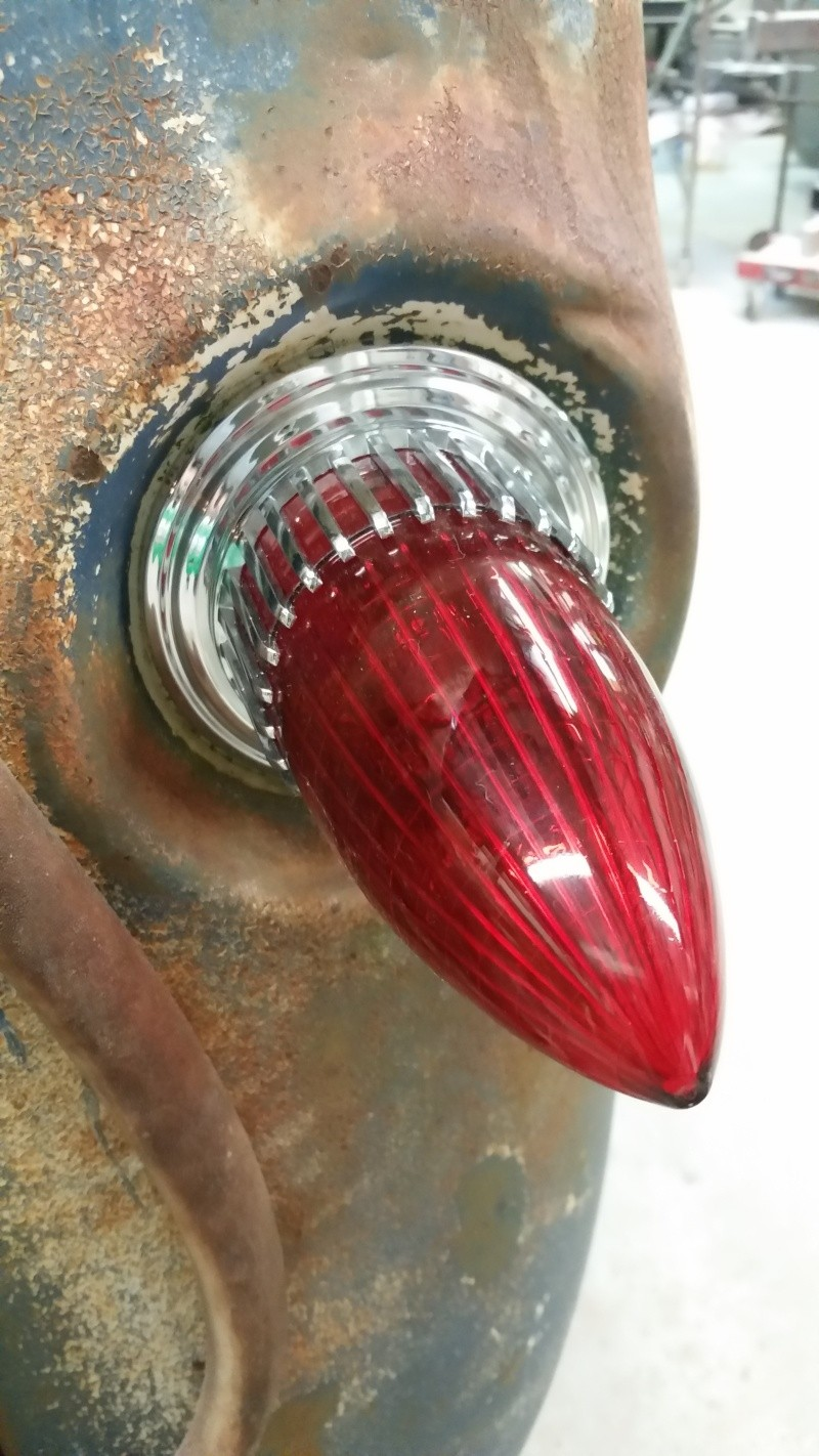 how about these tail lights?? 00710