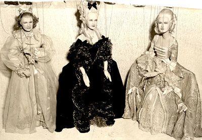 Marie Antoinette avec Norma Shearer (Van Dyke) - Page 8 Capoll10