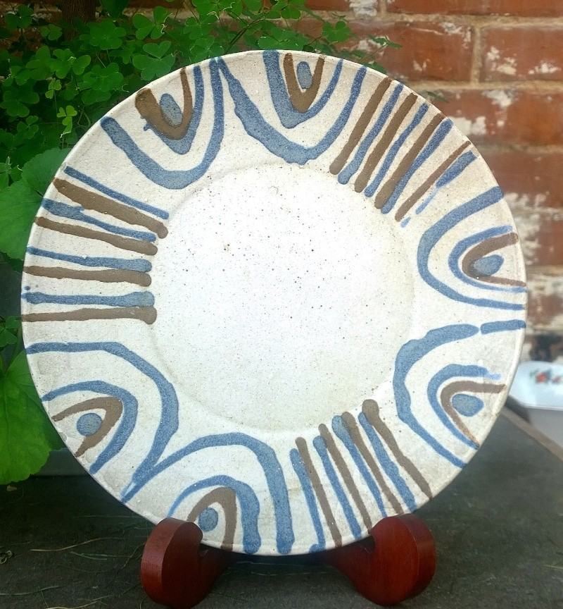 slipware plate with IM mark - possibly Ivor Morris Wp_20115