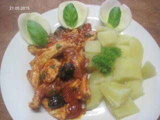 Émincé de poulet sauce tomates et olives noires.photos. Img_7029