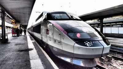 TGV en Gare de Lyon P2231011