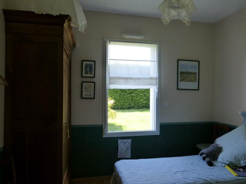 Déco petite chambre d'appoint P1020014