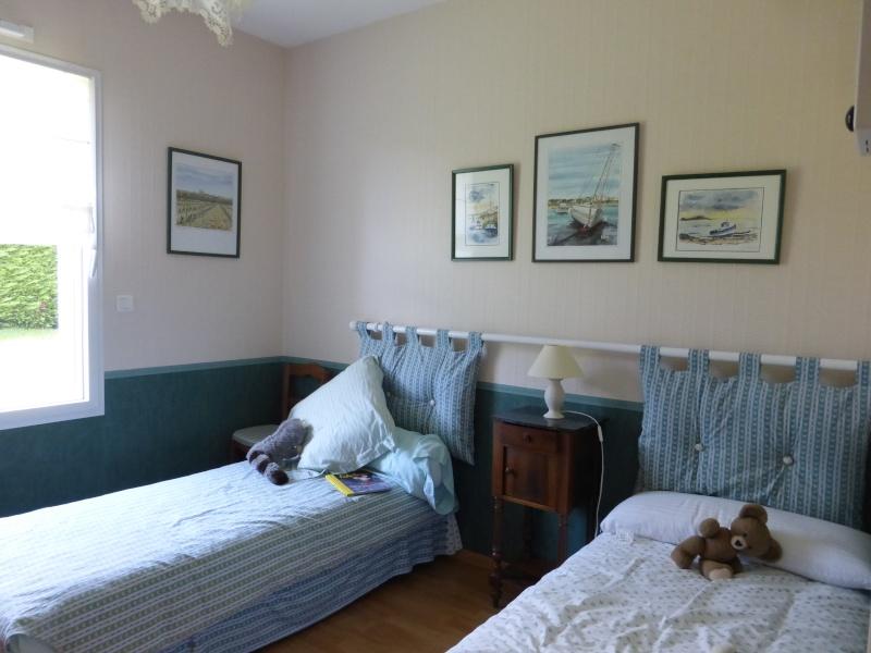 Déco petite chambre d'appoint P1020015