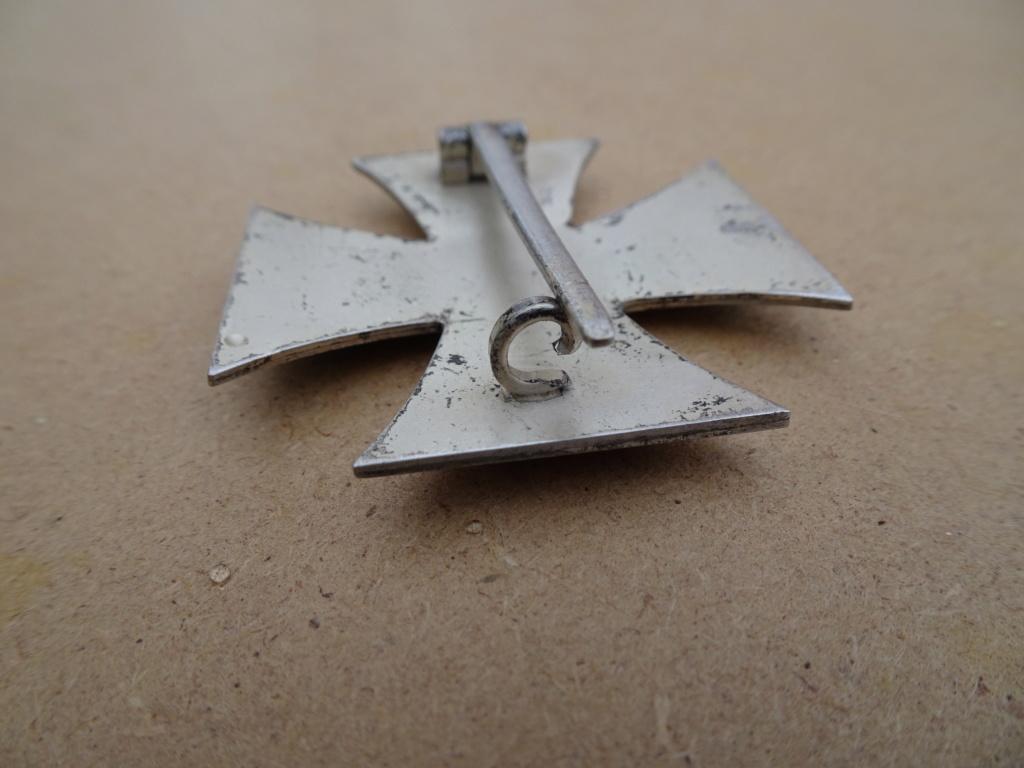 Croix de fer 1ère classe deuxième guerre mondiale Dsc00130
