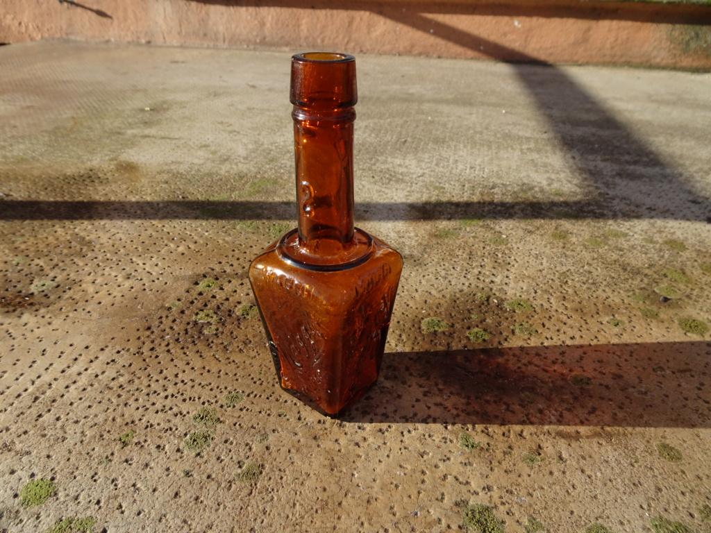 Flacons et bouteilles. Dsc00219