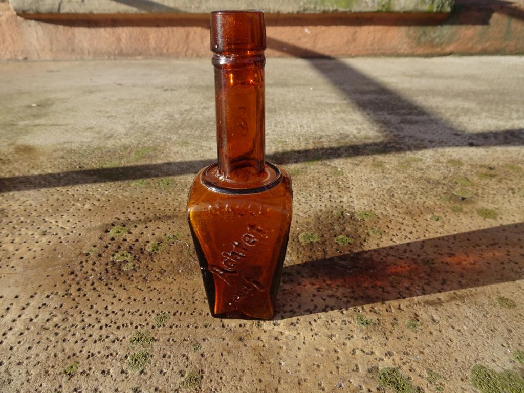 Flacons et bouteilles. Dsc00222