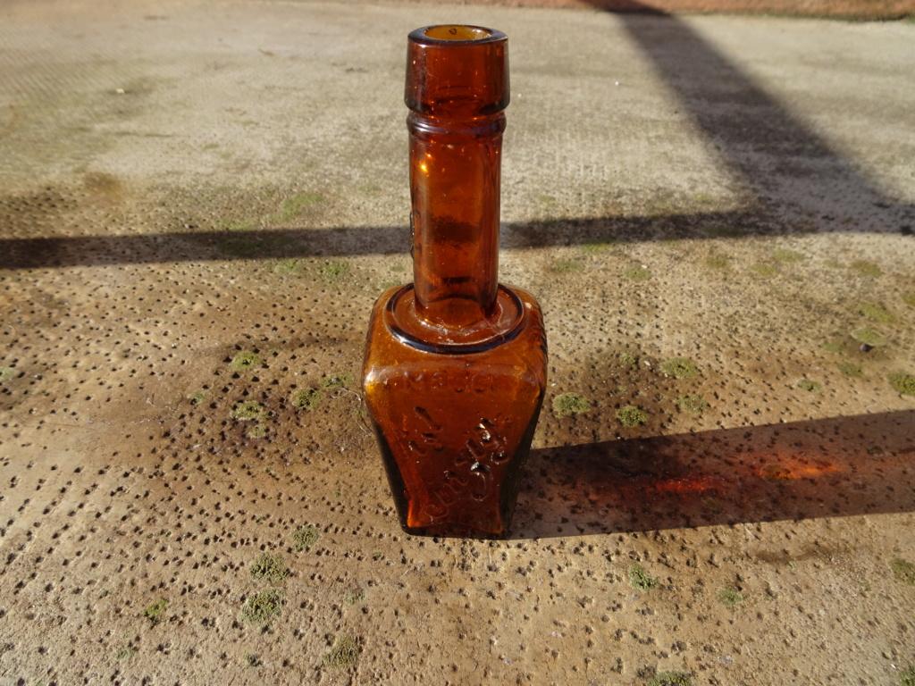 Flacons et bouteilles. Dsc00223