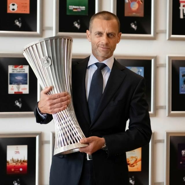 Football : Saison 2021-2022 0_uefa10
