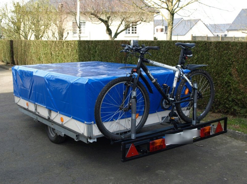 Porte Vélo à l'arrière de caravane 2019-012