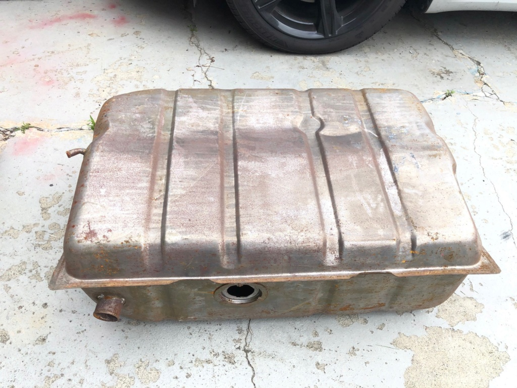 Two fuel tanks, used, free! Tank_110