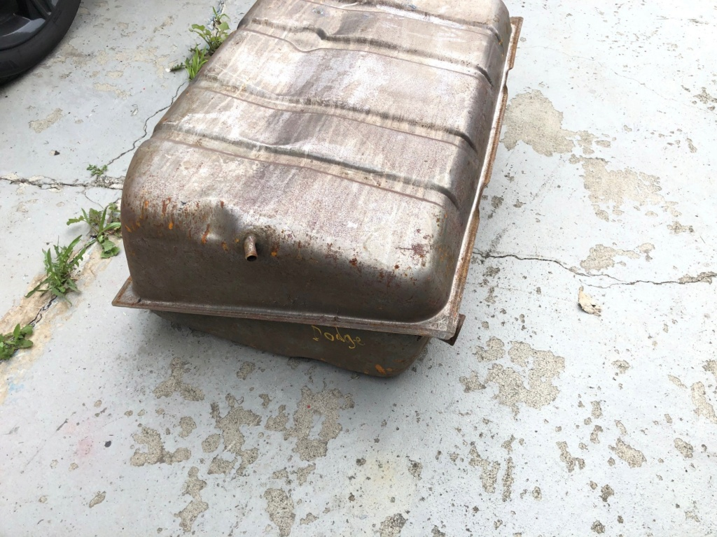 Two fuel tanks, used, free! Tank_112