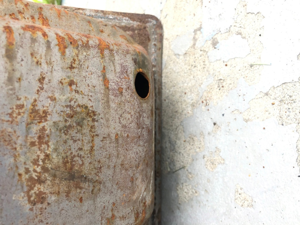 Two fuel tanks, used, free! Tank_113