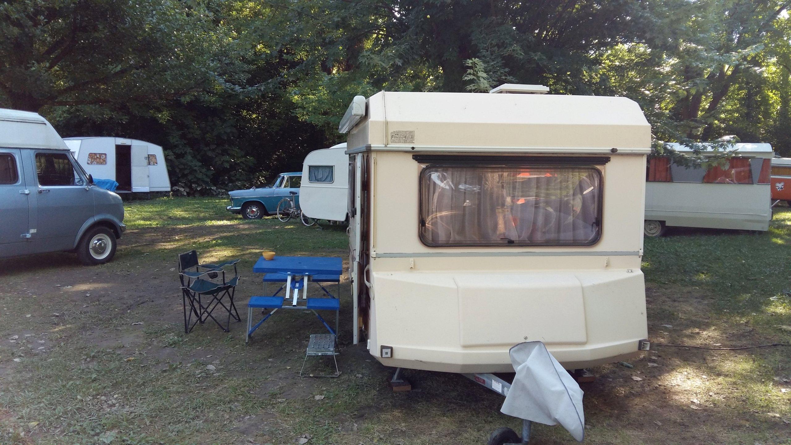 Camping rétro dans le Gard 20180810