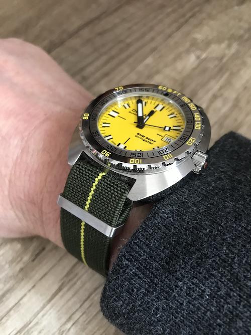 Votre montre du jour - Page 31 Doxana10